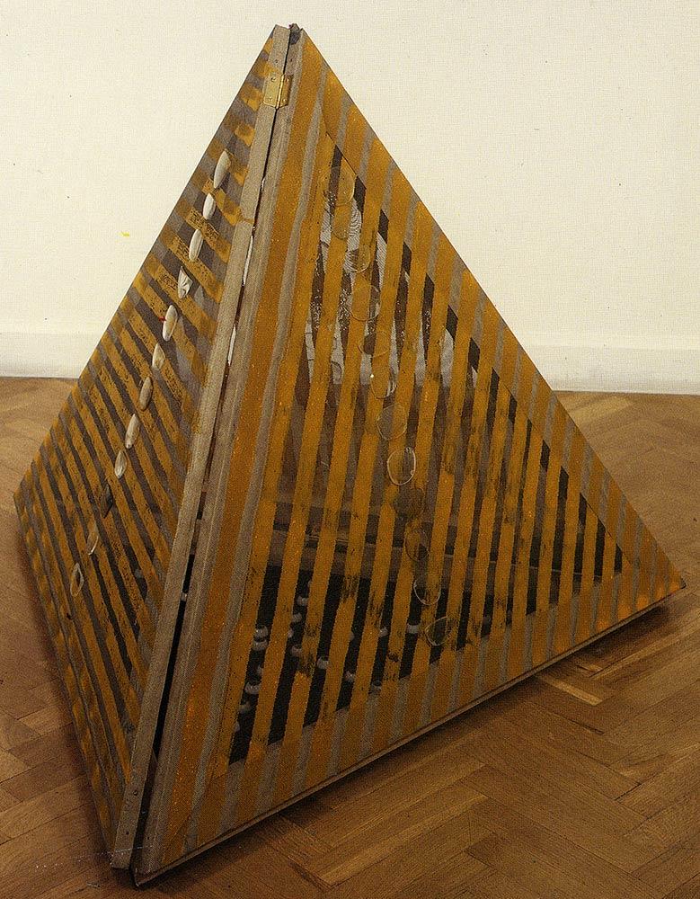 esther-ramos-1990_11_05-piramive-84x101x87-cms